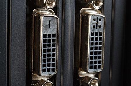 توصيل الكمبيوتر بالتلفزيون باستخدام كبل VGA و DVI